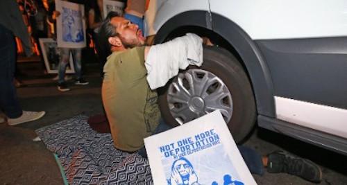 Garcia_de_rayos_protest-