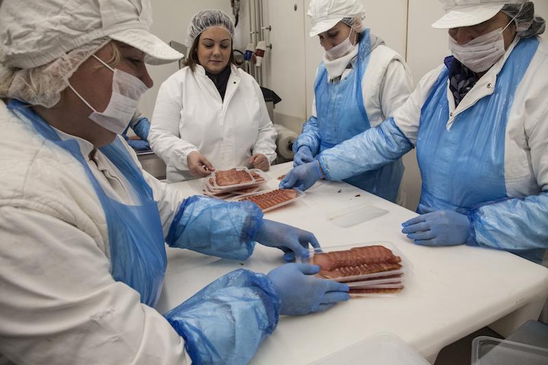 Serbia_meat_packaging-