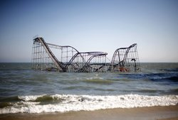 Thousands-of-new-jersey-residents-were-asked-to-evacuate-their-homes-and-casinos-were-closed-in-atlantic-city-in-this-now-iconic-scene-a-roller-coaster-in-seaside-heights-new-jersey-has-gone-underwater-f_medium